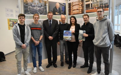 Interesse an Demokratie steigern – Eröffnung der Wanderausstellung des Deutschen Bundestages durch Elvan Korkmaz-Emre